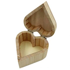 Cutie inimă din lemn cu capac 8,5x5,6cm 2