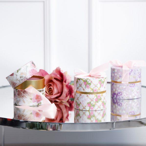 Cutie rotundă cu fundă - model flori mix 1 - craftup.ro