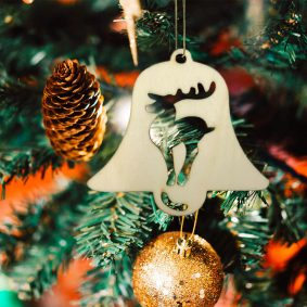 Ornament de brad lemn - clopoțel 2