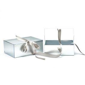 Set 2 cutii dreptunghiulare cu fereastră transparentă și panglică - argintiu 1 - craftup.ro